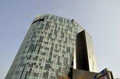 布加勒斯特在听说布加勒斯特的一skyscrapper, 库存照片