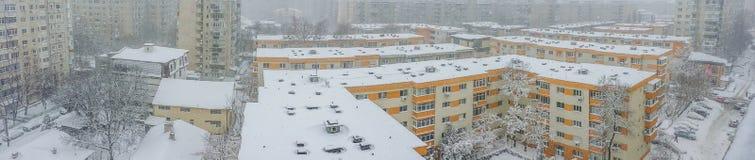 布加勒斯特在雪报道的市全景 免版税图库摄影