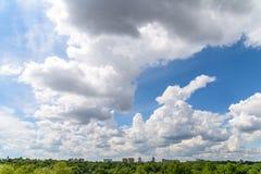 布加勒斯特市地平线视图 免版税库存照片