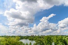 布加勒斯特市地平线视图 库存图片