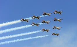 布加勒斯特飞行表演-作为客户的Tricolors箭头 库存图片