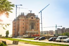 布加勒斯特,罗马尼亚- 28 04 2018年:修建一个新的罗马正统大教堂在布加勒斯特 免版税库存照片