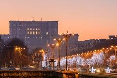 布加勒斯特,罗马尼亚12月26日:议会宫殿在Decemb的 免版税库存图片