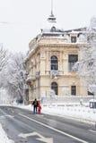 布加勒斯特,罗马尼亚- 1月17 :在Janua的Calea Victoriei街 库存照片