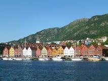 布吕根,有五颜六色的老木仓库的历史的港口,卑尔根,挪威联合国科教文组织世界遗产名录站点  免版税库存照片