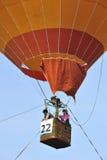 在第5个布城国际热空气气球节日期间的气球飞行2013年 免版税图库摄影