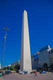 布宜诺斯艾利斯,阿根廷- 2016年5月02日:布宜诺斯艾利斯方尖碑是与高度的一个偶象大厦67,5 m 库存照片