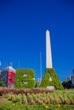 布宜诺斯艾利斯,阿根廷- 2016年5月02日:布宜诺斯艾利斯方尖碑的好的照片有在晴朗的蓝天背景 图库摄影
