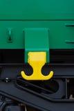 布尔加斯,保加利亚- 2017年3月20日-运送货物火车细节- 4axled箱子无盖货车绿色类型:Eanos模型:155-1 - Transvagon广告 库存照片