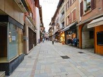 布尔格圣莫里斯村庄购物街道  图库摄影