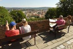 布尔诺,捷克- 2017年6月01日:游人在Spilberk Castl 免版税库存照片