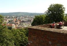 布尔诺,捷克- 2017年6月01日:游人在Spilberk Castl 免版税库存图片