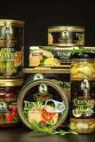 布尔诺,捷克- 2017年12月16日:Kaiser弗朗兹约瑟夫独家新闻罐装金枪鱼用辣椒 食家的食物 各种各样的类型o 免版税库存图片