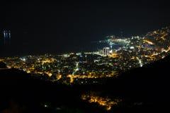 布德瓦在晚上,黑山 库存图片