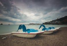 布德瓦海滩明轮船 免版税库存照片
