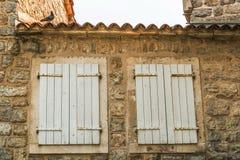 布德瓦,黑山老镇的大厦的片段  这个cit的第一提及 免版税库存照片