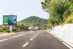 布德瓦,黑山- 2017年8月26日:在山的高速公路路,黑山 库存照片