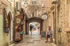 布德瓦,黑山- 2017年8月28日:老镇布德瓦,黑山 这个城市的第一提及-超过26个世纪前 我们 库存照片