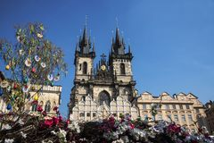布拉格、老镇中心捷克和我们的夫人教会看法  库存照片