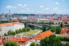 布拉格全景有蓝天的 库存照片