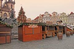 布拉格在老镇中心的圣诞节市场 免版税库存图片
