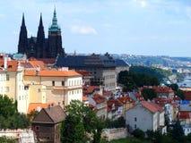 布拉格城堡和圣徒Vitus大教堂,布拉格,捷克看法  免版税库存照片