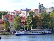布拉格城堡和圣徒Vitus大教堂,布拉格,捷克看法  库存照片