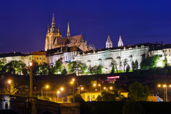 布拉格城堡在晚上 免版税图库摄影