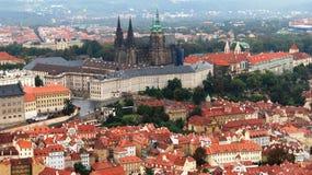布拉格城堡看法从Petrin的 库存照片