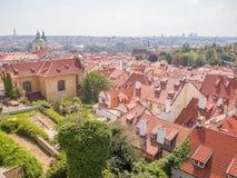 布拉格夏日城市的全景 捷克语 库存照片