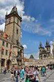 布拉格天文学时钟老镇的看法  免版税库存图片