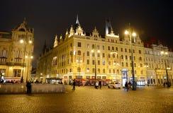 布拉格是城市,并且捷克的首都是一个传统欧洲文化中心 晚上布拉格 免版税库存照片