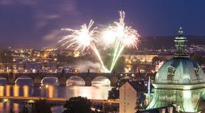 布拉格的不可思议的夜照明 库存图片