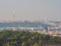 布拉格的全景在一个夏天早晨 捷克语 库存图片