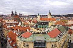 布拉格的历史的中心大角度看法  免版税库存照片