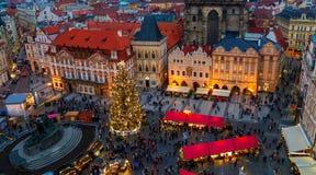 布拉格老镇squate在圣诞节前的 免版税库存图片