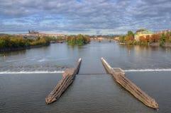 布拉格,伏尔塔瓦河河, Hradcany城堡,国家戏院,查莱` s桥梁,捷克共和国 免版税图库摄影
