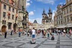 布拉格,布拉格天文学时钟老镇的看法  库存照片