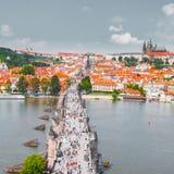 布拉格,捷克全景从老镇桥梁塔的 免版税库存图片