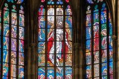 布拉格,捷克- 12可以, 2017年:圣Vitus大教堂的美好的内部在布拉格,捷克 免版税库存图片