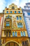 布拉格,捷克- 2017年12月31日:巴洛克式的建筑学在老镇中心 免版税库存图片