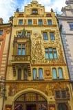 布拉格,捷克- 2017年12月31日:巴洛克式的建筑学在老镇中心 免版税库存照片