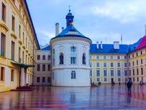 布拉格,捷克- 2017年12月31日:科尔` s喷泉的看法在布拉格宫殿在老镇布拉格 库存图片