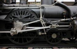 布拉格,捷克- 2017年9月23日:蒸汽机车在全国技术博物馆在布拉格,捷克 轮子关闭 免版税库存图片