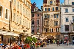 布拉格,捷克- 2016年9月07日:咖啡馆和餐馆 免版税图库摄影
