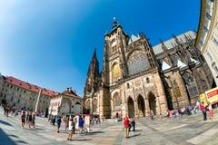 布拉格,捷克- 2016年9月07日:圣的Vitus人们 免版税库存照片