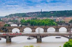 布拉格,捷克- 2016年6月17日:在伏尔塔瓦河河的顶视图 免版税图库摄影