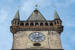 布拉格,捷克- 2016年3月14日:布拉格天文学尖沙咀钟楼,捷克语 老方形城镇 库存图片