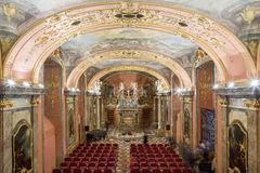 布拉格,捷克- 12月12日:Clementinum,镜子教堂 布拉格 库存照片