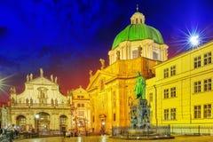 布拉格,捷克REPUBLIC-SEPTEMBER 13日2015年:查尔斯的纪念碑 免版税图库摄影